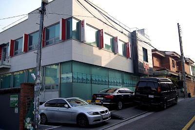 [News] 30/04/2012 - Young Saeng & Kyu Jong - La maison de disque B2M Enterntainement.  B2m2